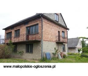 Sufczyn-dom z ogrodem i budynkiem gospodarczym